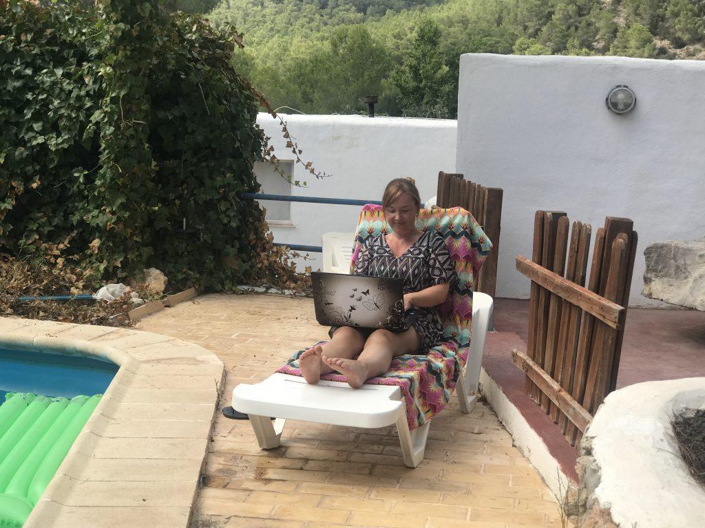 Manuela-blogging-SEO-Content-creator