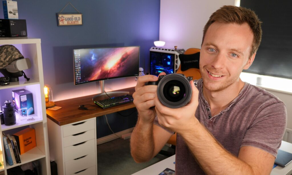 Tom-Honeyands-blogs-about-tech-and-reviews-gadgets